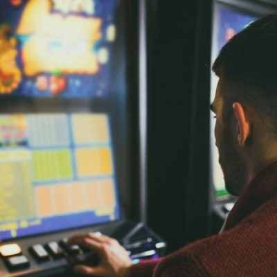Online slot addiction problems: Signs and Symptoms