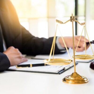 How to Choose the Right Lawyer When Suing Your Employer