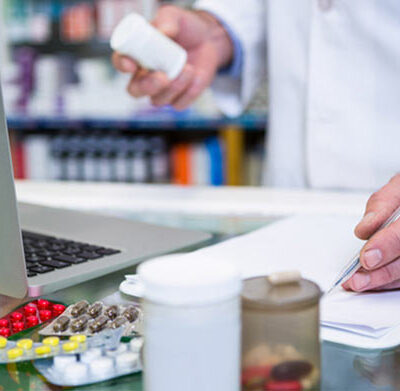 How to Shop From an Online Pharmacy
